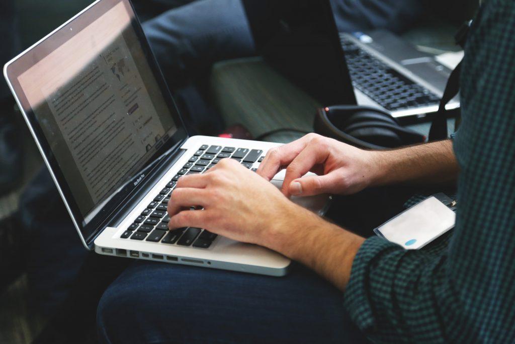 9. Pentingnya Membangun Personal Branding Bagi Penulis